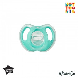 Tommee Tippee Ultra-Light Silicone Soother 0-6m - 1pk (Green)